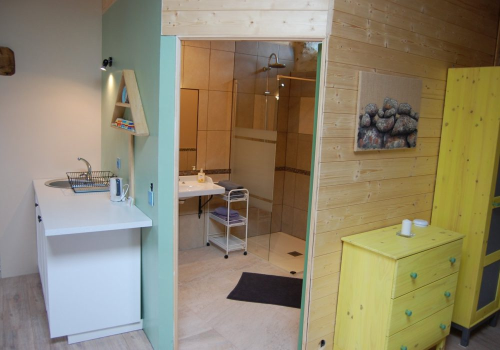 Studio bathroom en suite